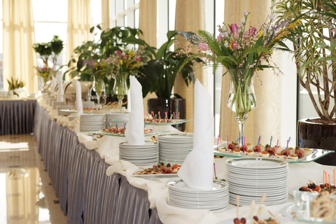 How to decorate your wedding like a pro wedding decorating junglespirit Images